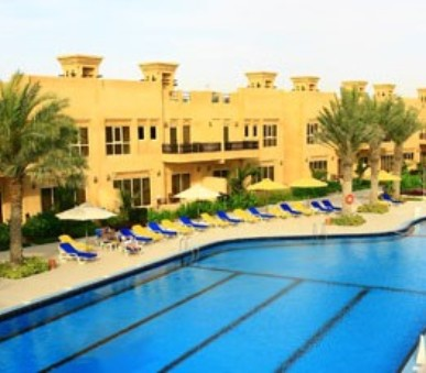Hotelový komplex Al Hamra Village Golf & Beach Resort