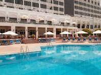 Hotel Crown Plaza Muscat Snídaně
