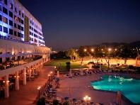 Hotel Crowne Plaza Muscat - v prosinci