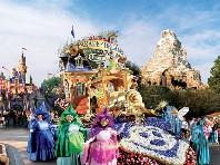 Jeden den v Disneylandu s fotopauzou u Eiffelovky - disneyland