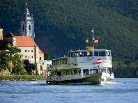 Perly Dolního Rakouska s plavbou lodí po Dunaji - autobusem