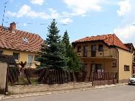 Dům Petra - autem