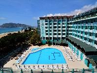 Ananas Hotel - v květnu