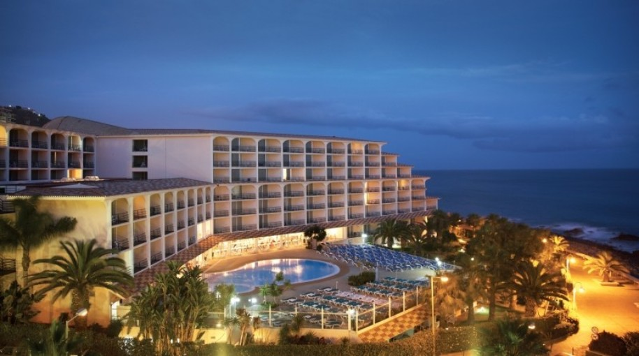 Hotel Four Views Oasis (fotografie 1)