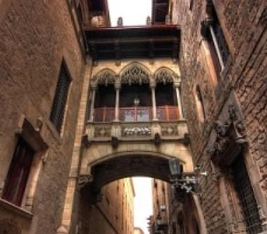 Barcelona letecky s koupáním v letovisku Sitges