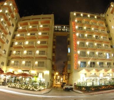 Hotel Plaza (hlavní fotografie)