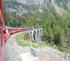 Švýcarské Alpy a horský vláček Bernina express