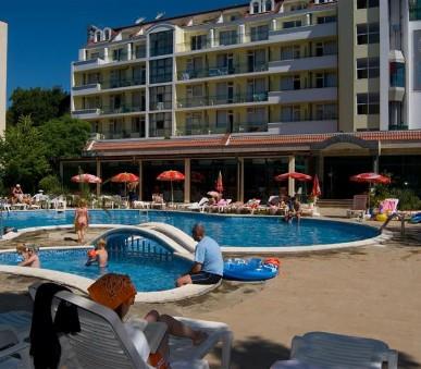 Hotel Perla Plaza (hlavní fotografie)