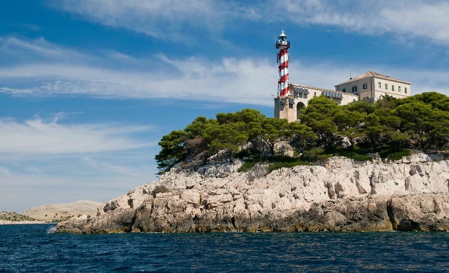 Námořní maják v souostroví Kornati.