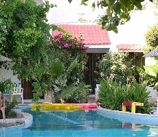 Oasis Hotel & Bungalows