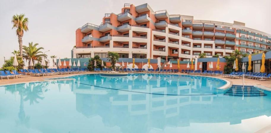 Hotel Dolmen (fotografie 3)