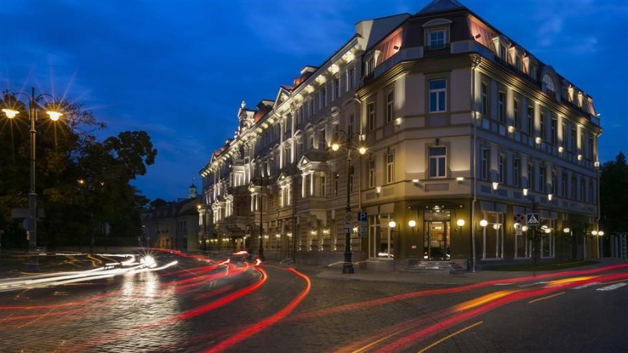 Grand Hotel Kempinski Vilnius (fotografie 1)