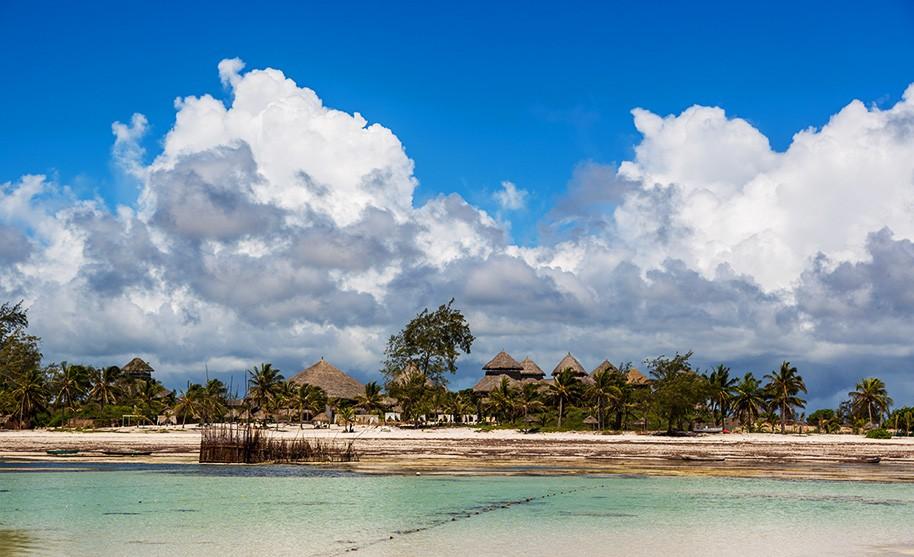 Divoká příroda a krásné čisté moře v Keni ve Watamu