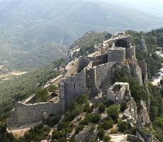 Languedoc a Roussillon, země moře, hor a katarských hradů s koupáním
