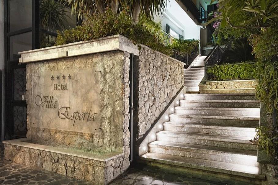 Villa Esperia (fotografie 12)