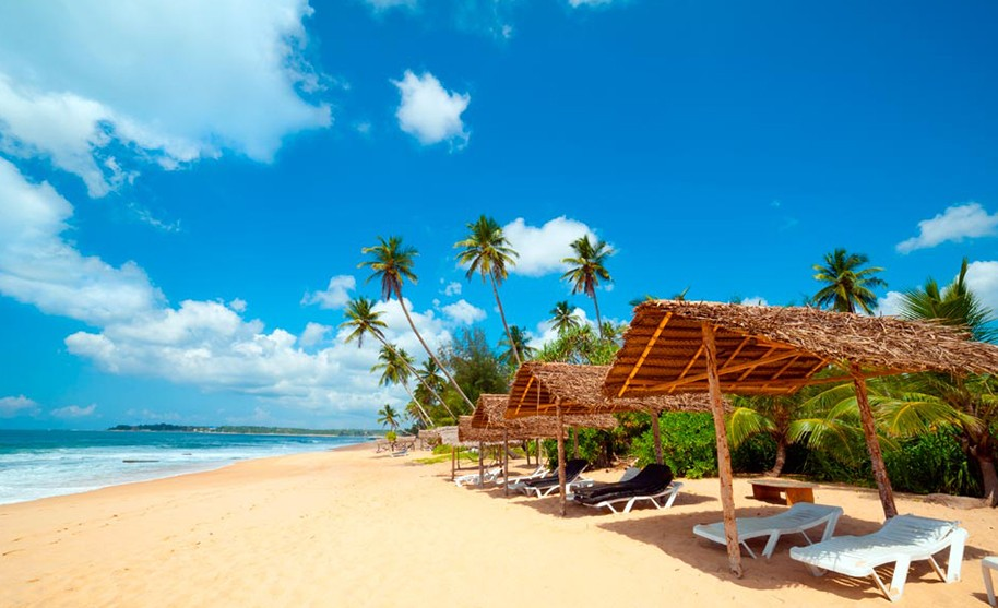 relax na pláži Ahungalla