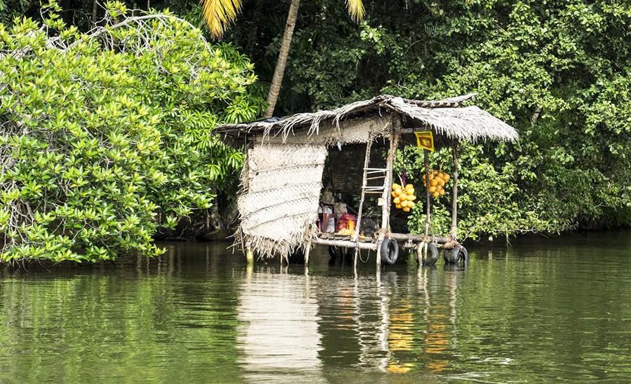 obchod na řece Srí Lanka