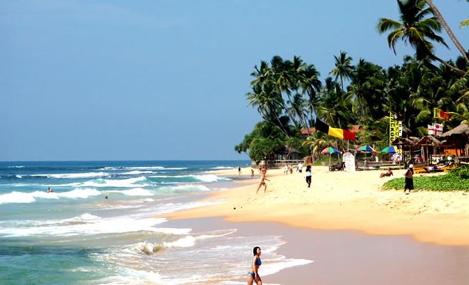 Oblíbené plážové letovisko Hikkaduwa