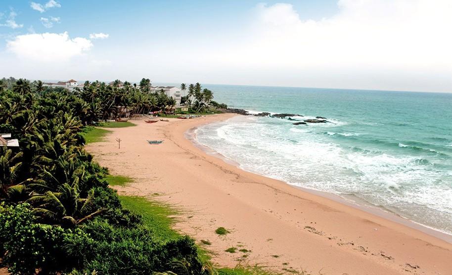 Nádherná písečná pláž bez turistů