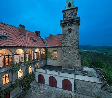 Hotel Hrubá Skála