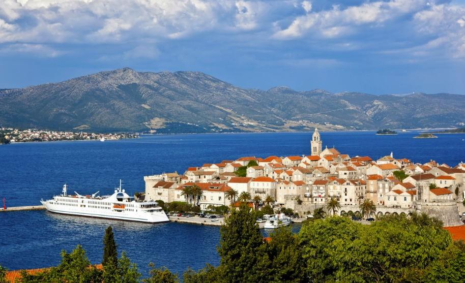 Pohled na historické město Korčula.