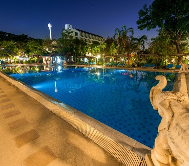 Hotel Pinnacle Grand Jomtien Resort & Spa