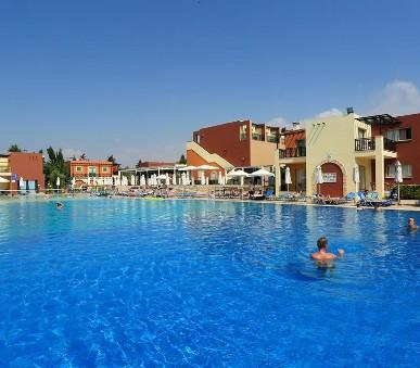 Hotelový komplex Panas Holiday Village