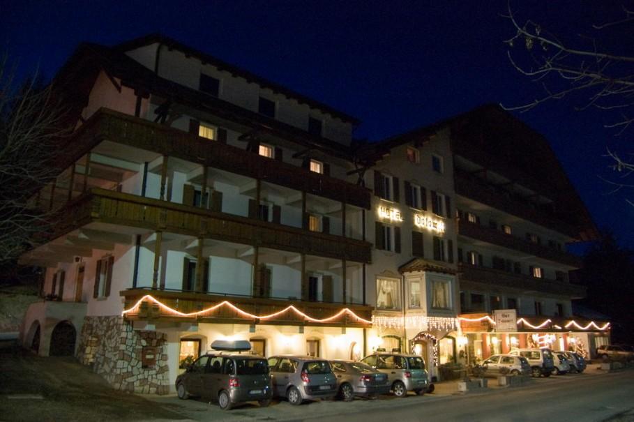Hotel Dolomiti (fotografie 1)