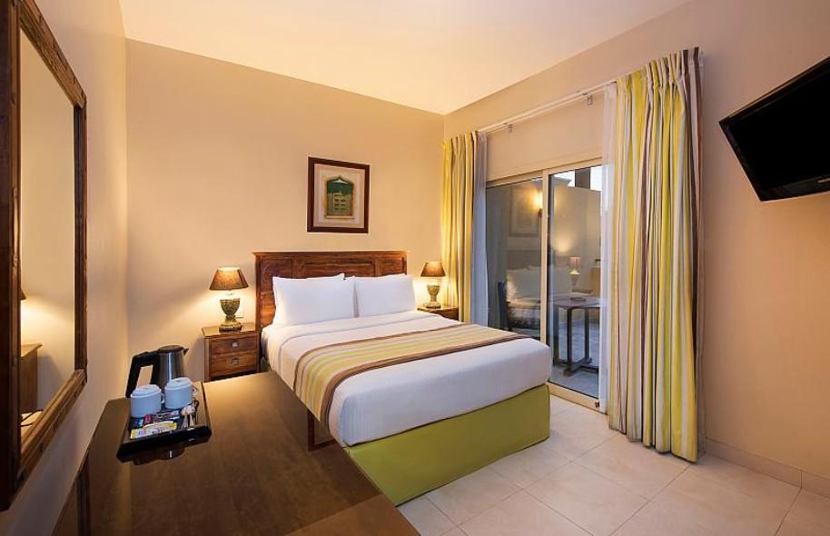 Hotel Al Hamra Village (fotografie 2)