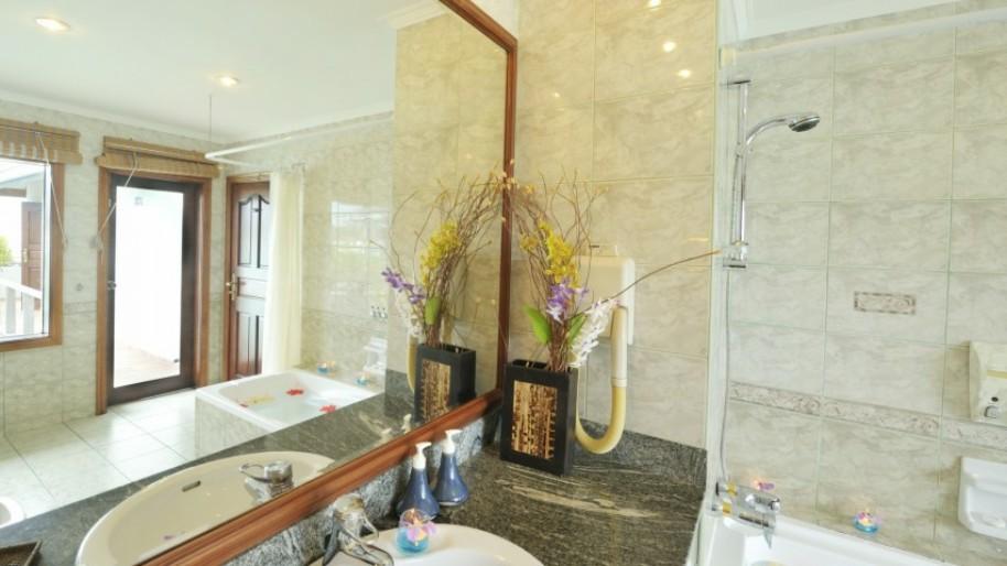Vodní bungalovy Sun Island Resort & Spa (fotografie 15)