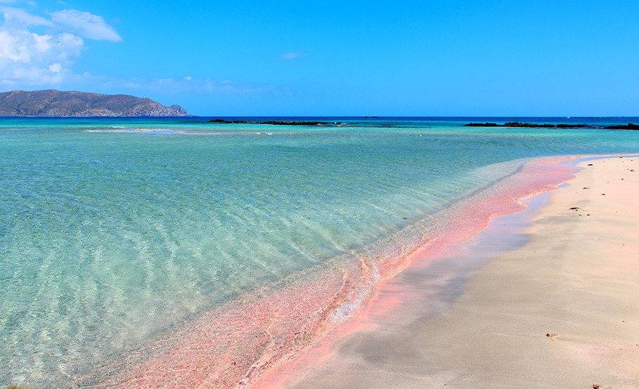 Kréta pláž růžový písek Elafonissi moře Řecko