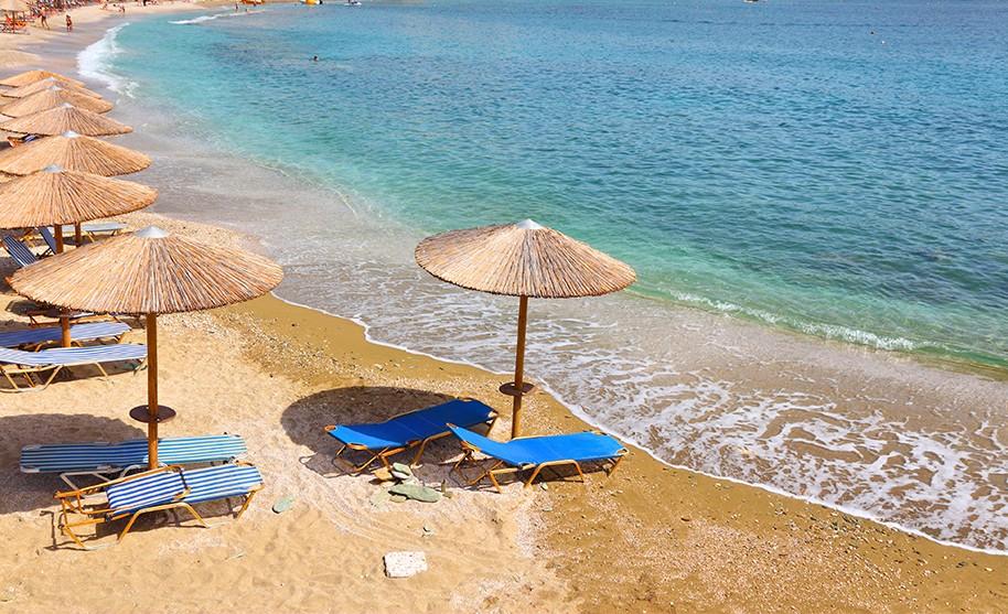 Kréta Agia Pelagia zlatý písek pláž moře Řecko