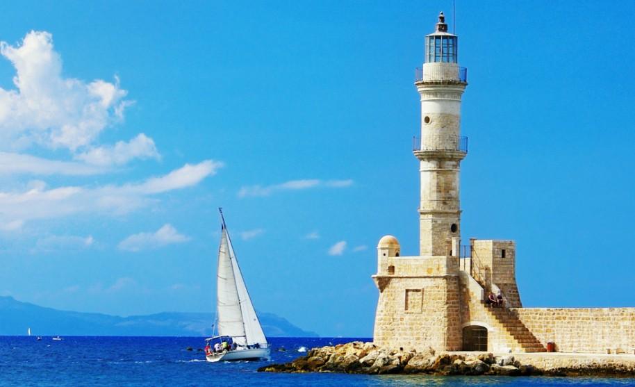 Kréta Chania maják moře loď pobřeží přístav Řecko