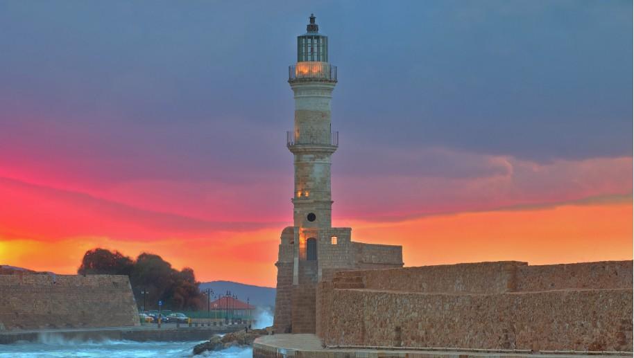 Kréta Chania maják moře pobřeží přístav západ slunce Řecko