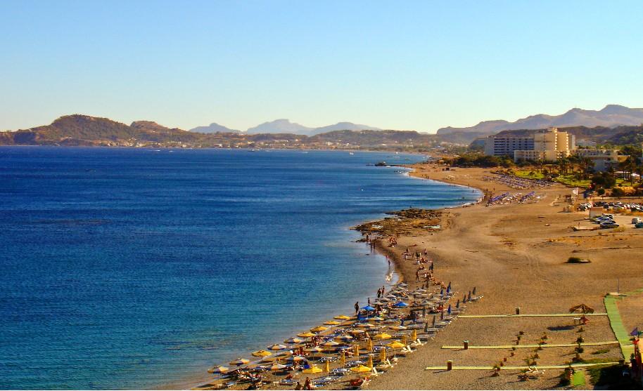 Rhodos Faliraki pláž písek moře slunce Řecko
