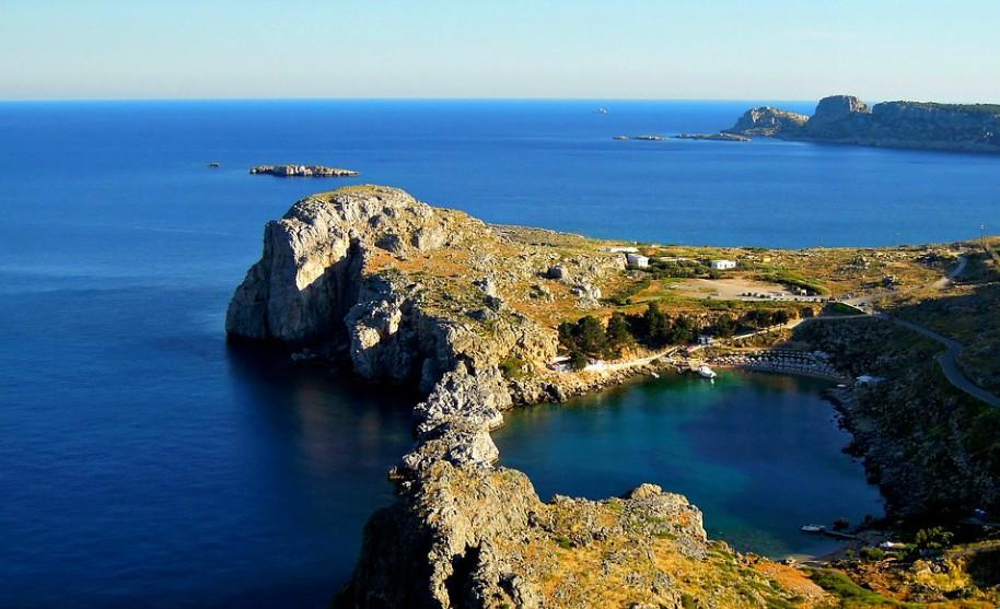 Řecko Lindos zátoka moře pláž St. Paul akropole přístav antika chrám Řecko