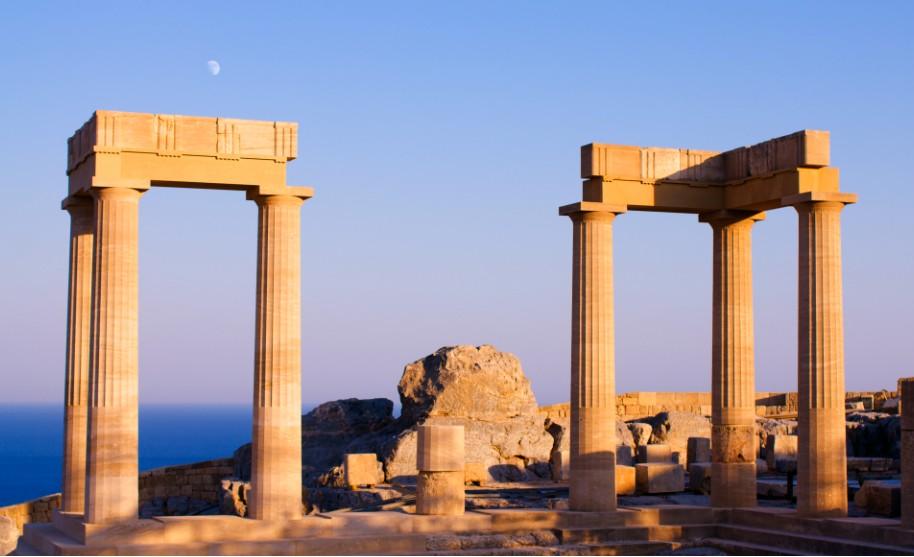 Řecko Lindos moře akropole přístav antika chrám Řecko
