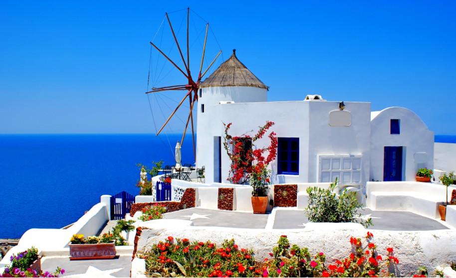 Řecko moře bílé domky vesnice Santorini Řecko