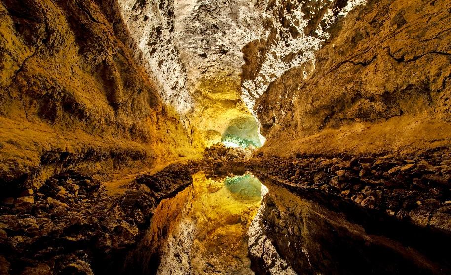 jeskynní systém Cueva de los Verdes na Lanzarote na Kanárských ostrovech