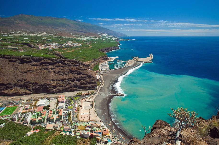 výhled na hlavní město Santa Cruz de La Palma