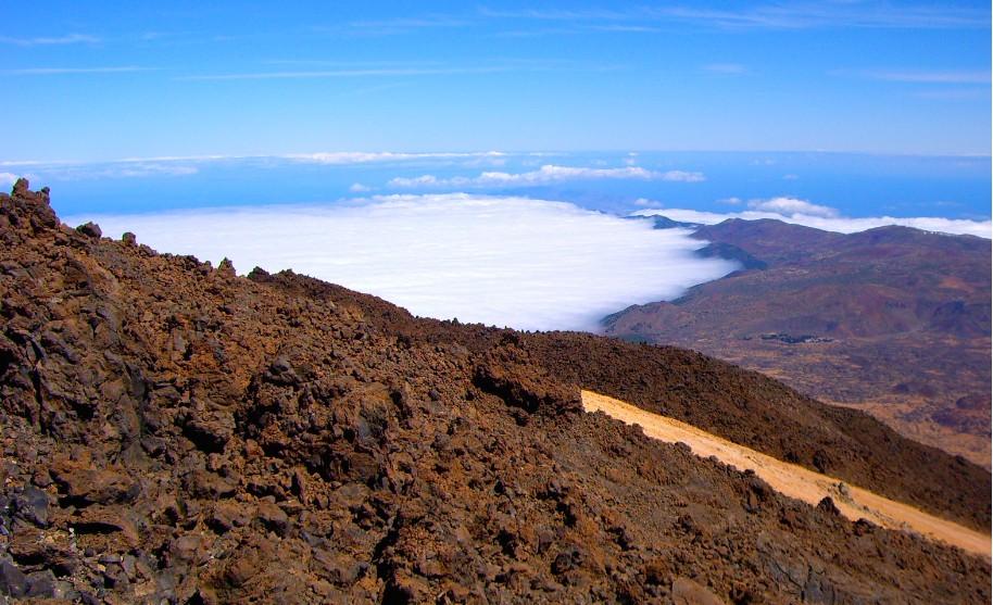 lávové kameny, vulkanická příroda na Tenerfie na Kanárských ostrovech
