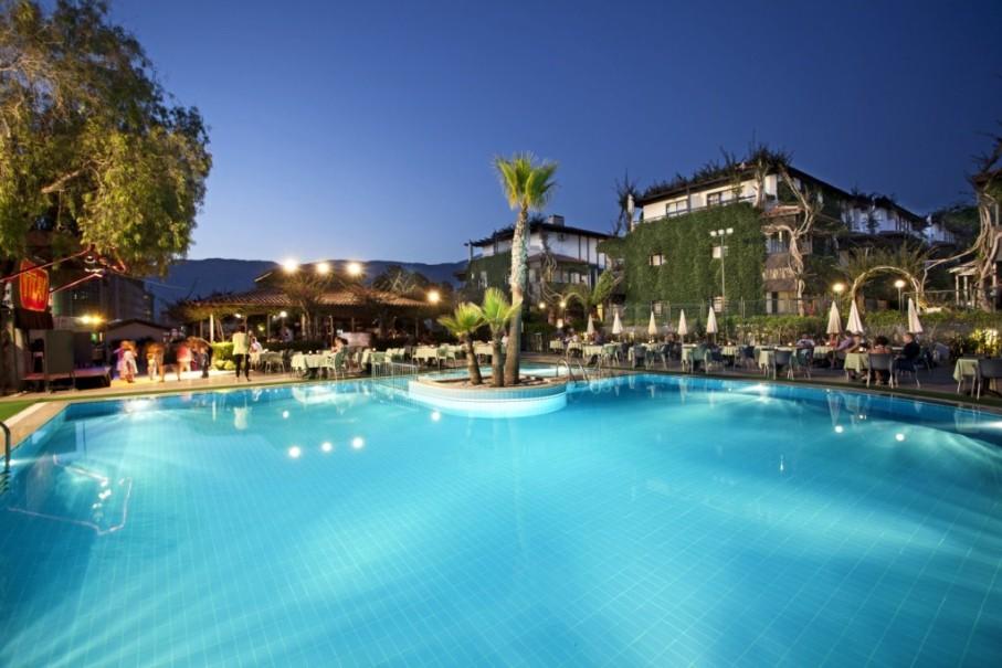 Hotelový komplex Titan Club (fotografie 1)