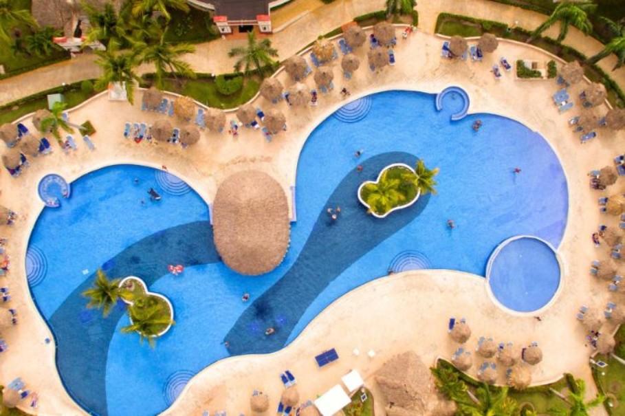 Hotelový komplex Grand Bahia Principe Bavaro (fotografie 3)