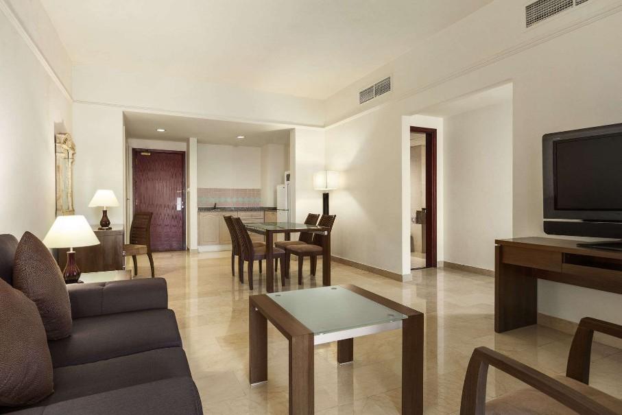 Ramada Beach Hotel Ajman (fotografie 8)