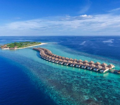 Hurawalhi Island Resort Hotel