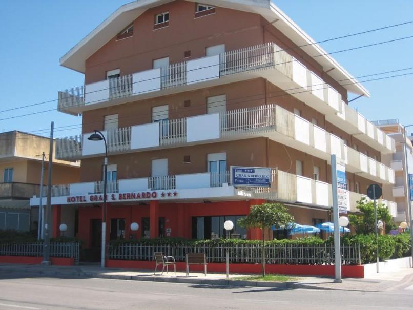 Hotel Gran San Bernardo (fotografie 1)
