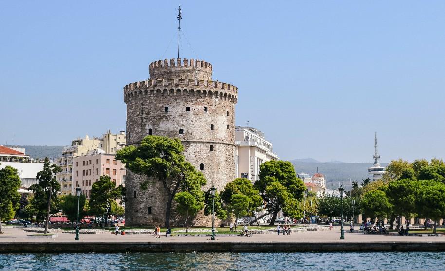 Bílá věž na promenádě v Soluni na Olympské riviéře