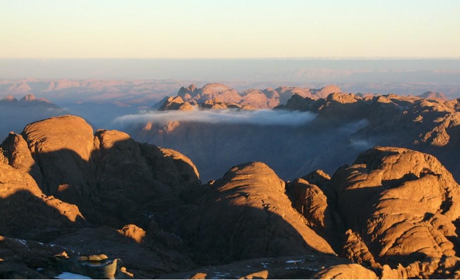 Mojžíšova hora nebo hora Sinaj na Sinajském poloostrově v Egyptě