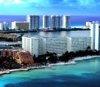Hotel Dreams Sands Cancun Resort and Spa