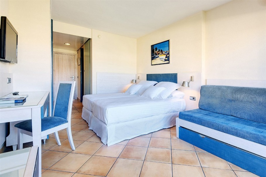 Hotel Occidental Cala Vinas (fotografie 4)